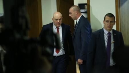 Иван Гешев в очакване на гласуването във ВСС