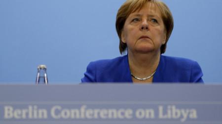 Германският канцлер Ангела Меркел по време на мирната конференция в Берлин.
