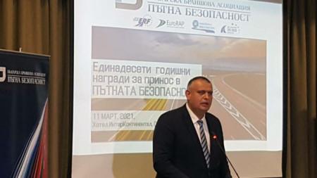 """председателят на Агенция """"Пътна инфраструктура"""" Георги Терзийски"""