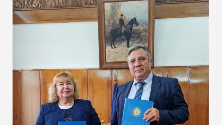 Снимка: ТрУ - Стара Загора доц. д-р Добри Ярков и проф. д-р Марияна Божинова