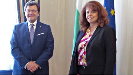 Ilijana Jotova dhe Zef Mazi duke shqyrtuar përparimin e Shqipërisë në rrugën drejt BE-së