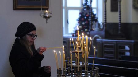 Арменците празнуват Коледа и Богоявление в един и същи ден.