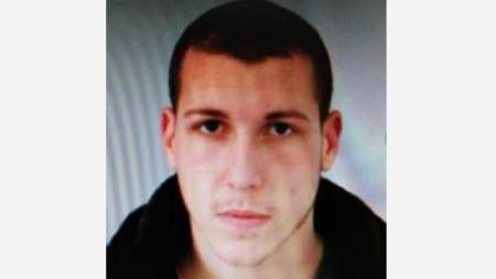 23 годишният Захари Чернев, който днес бе обявен за издирване.