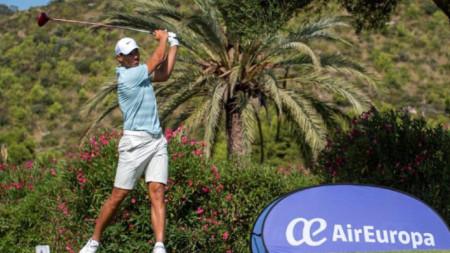 Рафаел Надал показа умения и с клъбовете за голф.