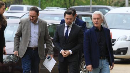 Георги Димов (в средата) ще води листата на