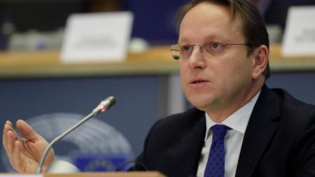 Оливер Вархей на изслушването му в комисията по външни работи на Европарламента.