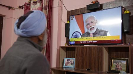 Премиерът Моди обяви извънредните мерки в телевизионно обръщение.