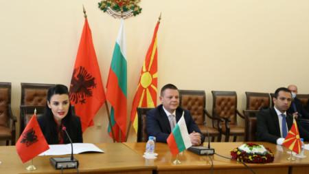 Подписването на меморандума в София