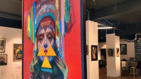 През 2019 Насимо показа свои творби в столичната галерия