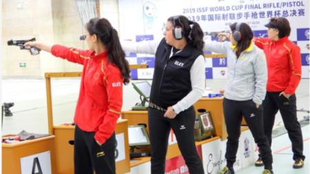 Антоанета Бонева (втората от ляво на дясно) влезе с втори резултат във финала.