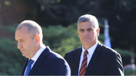 President Rumen Radev and Stefan Yanev during the ceremony in front of the Monument to the Unknown Soldier in Sofia on the occasion of the 76th anniversary of the victory against Nazism.