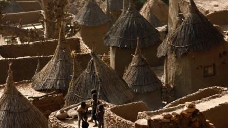 Село на етническата група догони в Мали.