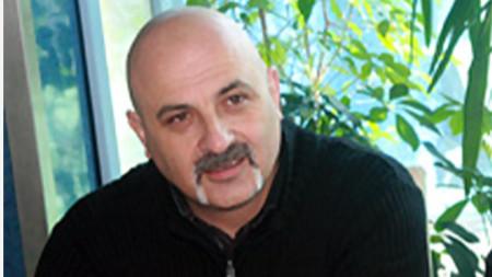 Иван Стоянов сяда на стола на водещата Бойка Браткова в рубриката