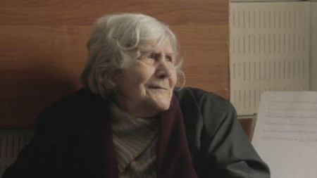 Юлия Огнянова в кадър от филма