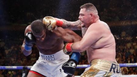Джошуа (вляво) и Руис ще се бият отново на 7 декември.