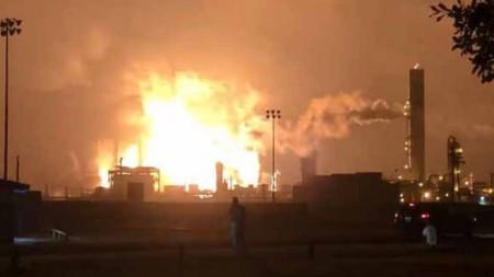 Експлозия в нефтохимически завод в Порт Неч, Тексас