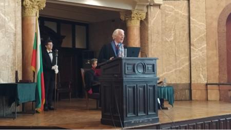 Проф. Жерар Муру беше удостоен с почетното звание Доктор хонорис кауза на Софийския университет.