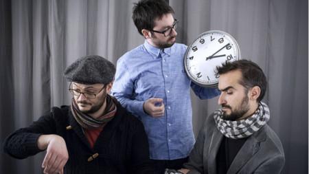 Франческо Негро (пиано и часовник), Игор Легари (контрабас) и Ермано Барон (барабани)