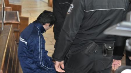 Обвиняемият Мартин Трифонов не пожела да говори пред медиите.
