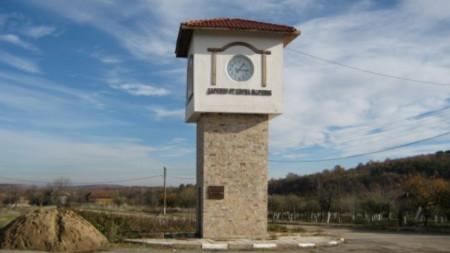 Часовниковата кула в село Винище е изградена за влизането на България в ЕС.