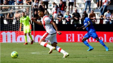 Радамел Фалкао вкара гол за победа на Райо Валекано