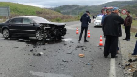 При инцидент с участието на автомобила на Лютви Местан загина бебе.