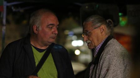 Арман Бабикян (в ляво) от т.нар. Отровно трио преди началото на протеста в центъра на София - 10 октомври 2020 г.
