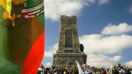 Το Μνημείο της Ελευθερίας στην κορυφή Σίπκα