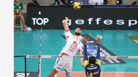 Цветан Соколов напуска Италия.