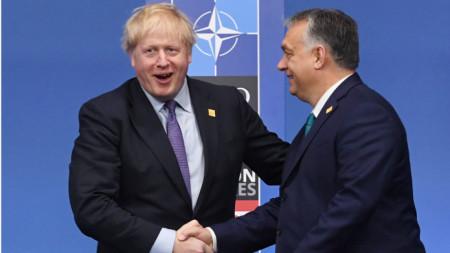 Борис Джонсън с Виктор Орбан на срещата на НАТО в Лондон през декември 2019 г.
