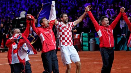 Хърватите ликуват след края на мача в Лил.