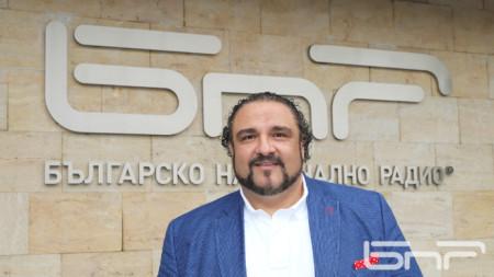 Баритонът Кирил Манолов