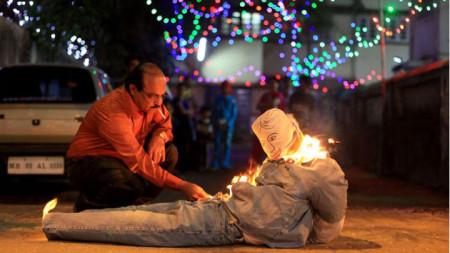 В Панама на Нова година горят чучело на политик.
