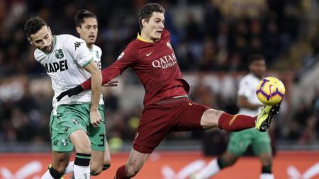 Патрик Шик (с топката) вкара втория гол за Рома.