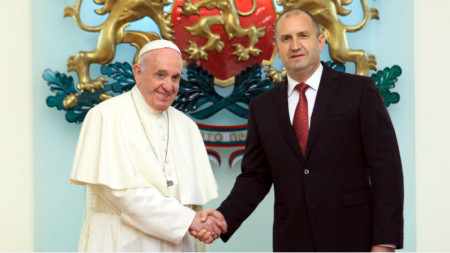 President Rumen Radev and Pope Francis during the pope's visit to Bulgaria in 2019