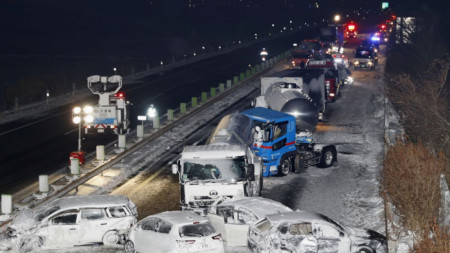 Масови катастрофи на японска магистрала заради снежна буря