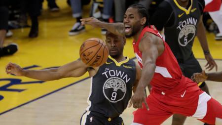 Торонто победи като гост Голдън Стейт със 105:92 и е на крачка от титлата в НБА