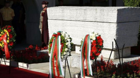 """Гробът на Гоце Делчев в православната църква """"Свети Спас"""" в Скопие."""