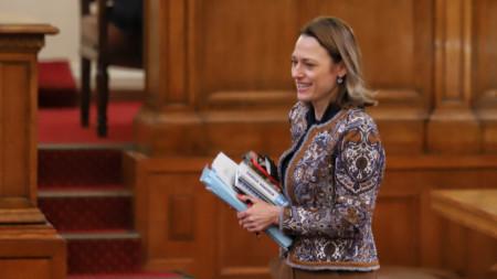 Председателят на парламента Ива Митева
