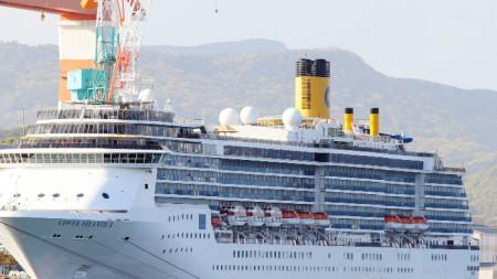 Круизният кораб