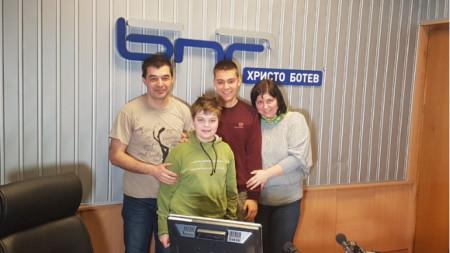 Ивайло, Владимир, Мартин и Ралица Василеви (отляво надясно)