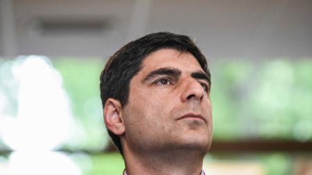 Министърът на спорта Винченцо Спадафора поиска от футболната федерация мачовете да не се играят.
