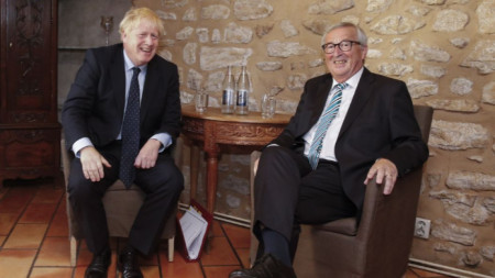 Борис Джонсън и Жан-Клод Юнкер на срещата им в Люксембург.