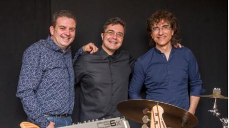 Jazz Fusion trio PlaYIS