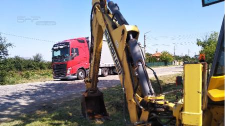 В края на лятото бе направена първа копка за ремонт на пътя от Боровци до Благово.