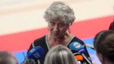 Мария Гигова - трикратна световна шампионка по художествена гимнастика