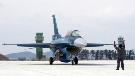 Новата разработка трябва да замени японските Ф-2.