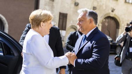 Ангела Меркел и Виктор Орбан разговаряха в унгарското градче Шопрон, където отбелязаха 30-годишнината от отварянето на границата между Унгария и Австрия, смятано за началото на края на Студената война.