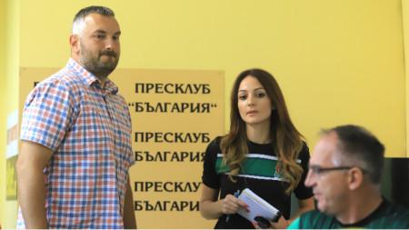 Михаил Михайлов (вляво) и Йовица Арсич (вдясно).