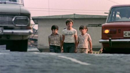 """Кадър от филма """"Войната на таралежите"""", 1979 година, режисьор Иванка Гръбчева"""